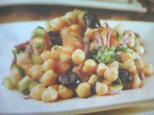 Zeytinli Nohut Salatası Tarifi