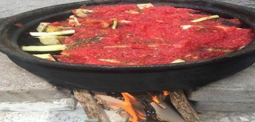 Güveçte Patlıcanlı Oğlak Etli Yemek Tarifi