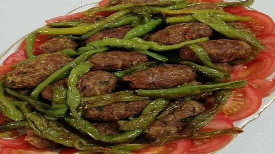 tavada kuru köfte, domatesli kuru köfte, kuru köfte tarifleri, köfteler
